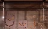 """Pirmo maršruto """"Istorija, archeologija, architektūra"""" ekspozicijoje lankytojai išvys briaunuotą gintaro karolį"""