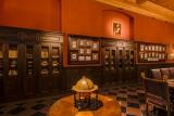 """Barokinėje valdovo bibliotekoje įsikūrė išraiškinga drobė """"Šv. Jeronimas"""", galbūt priskirtina dailininkui Bartolomėjui Skedoniui (Bartolomeo Schedoni, 1578–1615), o ant vieno iš čia esančių stalų – 1780 m. papjė mašė technika sukurtas žemės gaublys, kurio autorius – prancūzas Žanas Baptistas Fortinas (Jean-Baptiste Fortin, 1740–1817)"""